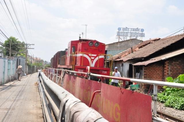 Phó Thủ tướng tặng Bằng khen 4 người ngăn tai nạn ở cầu Ghềnh - 1