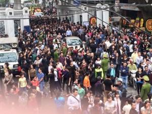 Đời sống Showbiz - Hàng nghìn người nức nở khi chứng kiến đám tang Trần Lập