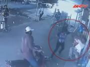 """Video An ninh - Clip: 3 """"ma men"""" vô cớ đánh người rồi bỏ trốn"""
