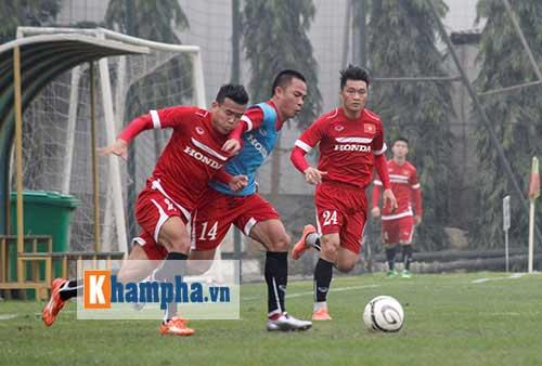 Việt Nam - Đài Loan (TQ): HLV Hữu Thắng lần đầu đi thi - 1