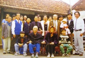 Nếp sống của gia đình tứ đại đồng đường giữa Hà Nội - 1