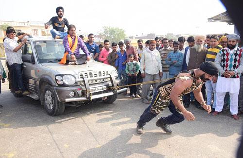 """""""Người sắt"""" Ấn Độ: Đao thương bất nhập - 9"""