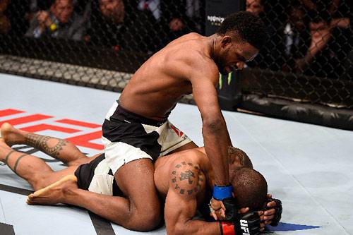 UFC: Vừa đấm vừa lo, sợ đối thủ mất mạng - 1