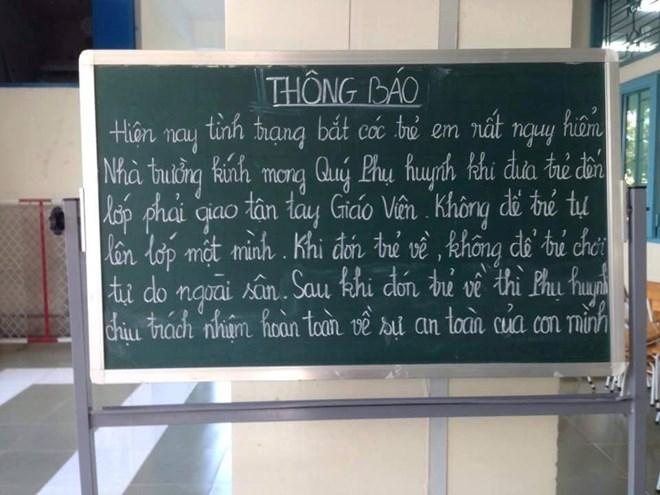 TPHCM: Trường học tự cảnh báo nạn bắt cóc học sinh với phụ huynh - 2