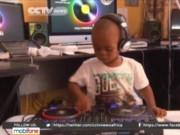 Video An ninh - DJ nhỏ tuổi nhất thế giới, vừa chơi nhạc vừa đóng bỉm