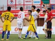 """Bóng đá - VCK U19 QG: """"Đàn em"""" Văn Quyết bị đuổi vì chơi xấu"""