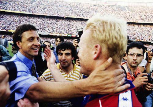 """""""Thánh"""" Cruyff: Bất tử trong lòng fan bóng đá đẹp - 7"""