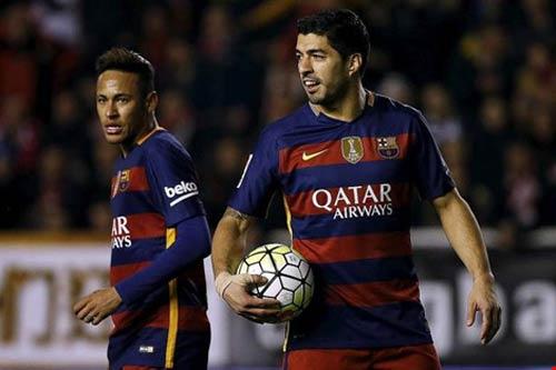 Suarez và Neymar cá độ bằng bánh mì kẹp thịt - 1