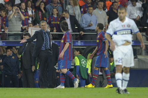 Messi đọ huyền thoại: Tỏa sáng nhờ hậu vệ xuống cấp (P4) - 3