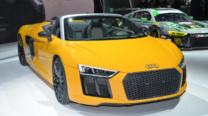 Audi R8 Spyder V10 tiếp tục sử dụng công nghệ mui vải mềm - 1