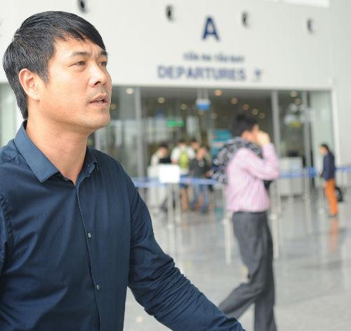 ĐTVN: Fan nữ ôm chầm khiến Văn Toàn, Ngọc Hải đỏ mặt - 2
