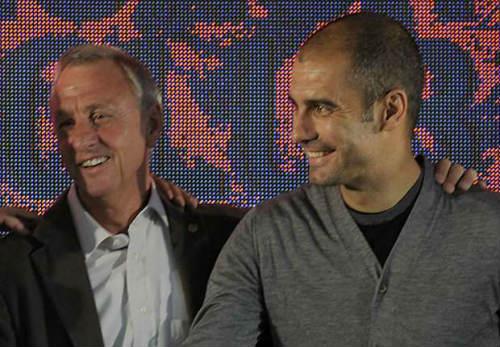 Pep tự nhận không là gì so với Cruyff ở Barca - 1