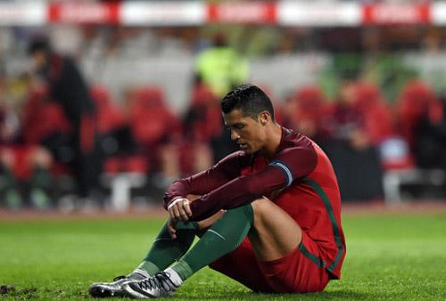 Ronaldo trượt liền 2 quả 11m trong chưa đầy một tuần - 1