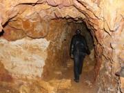 Tin tức trong ngày - Mục sở thị nơi bí thư huyện đào núi làm... hầm rượu