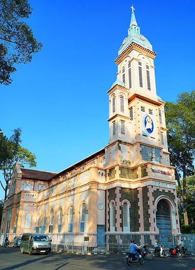 """Bí mật ngôi nhà thờ cổ trên """"đất vàng"""" giữa Sài Gòn - 2"""