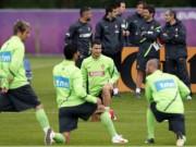 """Bóng đá - Trượt 11m, Ronaldo """"để dành bàn thắng cho Euro 2016"""""""