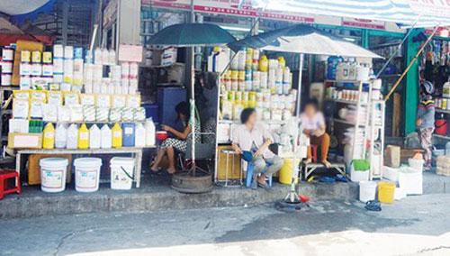 """Chợ """"thần chết"""" giữa Sài Gòn - 1"""