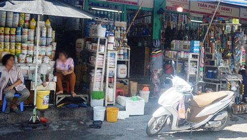 """Chợ """"thần chết"""" giữa Sài Gòn - 3"""
