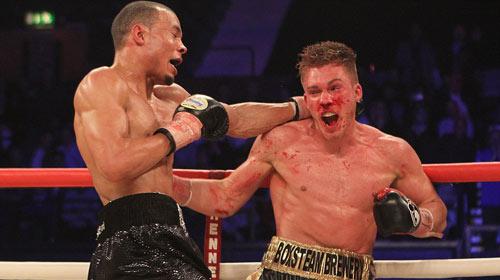 """Boxing: Cha xin con đừng """"phế võ công"""" đối thủ - 1"""
