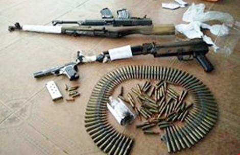 Giang hồ Trương Ghi Ta nộp cả bao vũ khí - 1