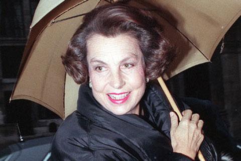 Chuyện đời chìm nổi của người phụ nữ giàu nhất thế giới - 1