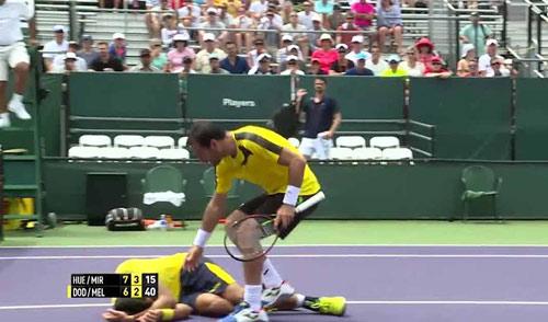 Tennis: Bị ăn đòn đau còn mất luôn ngôi số 1 - 1