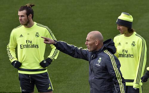 Real: Zidane đã chốt đội hình cho El Clasico - 2