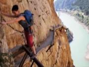 Du lịch - Thót tim trên con đường đi bộ nguy hiểm nhất thế giới