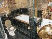 Tài chính - Bất động sản - Căn hộ giá 2 tỉ đồng dát vàng từ phòng khách đến toilet