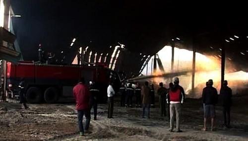 Bộ Công an vào cuộc điều tra vụ kho mì cháy suốt 7 ngày - 3