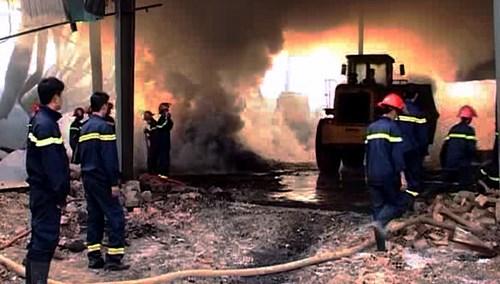 Bộ Công an vào cuộc điều tra vụ kho mì cháy suốt 7 ngày - 5