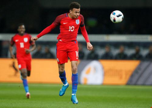 Kết quả hình ảnh cho Top 10 Cầu thủ và mẫu giày đá bóng tại vòng loại Euro Phần 1
