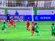 Bóng đá - Công Vinh bất ngờ tung cùi chỏ trúng mặt đối thủ