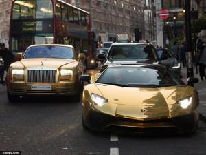 """Đại gia Ả Rập mang đoàn siêu xe dát vàng """"đại náo"""" London"""