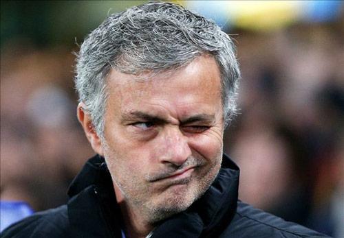 Valencia tính vượt mặt MU, thay Neville bằng Mourinho - 1