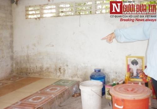 Bàng hoàng phát hiện xác người bán vé số trong nhà hoang - 2