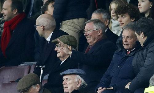 MU - Mourinho thắng kịch tính: Tinh thần Fergie bất diệt - 1