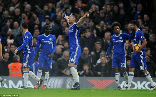 Đả bại Stoke, Chelsea chạm kỉ lục 16 năm của Arsenal - 1