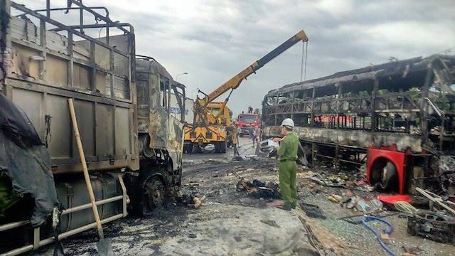 Ám ảnh những vụ tai nạn kinh hoàng nhất năm 2016 - 1