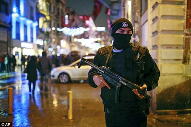 Thổ Nhĩ Kỳ: Xả súng đêm giao thừa, 35 người bị bắn chết - 2