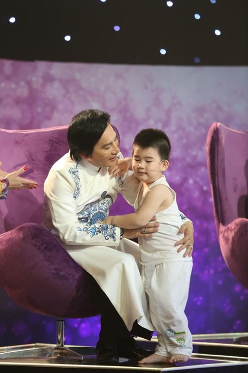 Con trai Kim Tử Long đáng yêu khi phụ diễn cho học trò của bố - 6