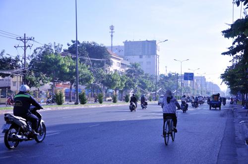 Sáng đầu năm, đường phố Sài Gòn vắng vẻ lạ thường - 2