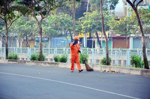 Sáng đầu năm, đường phố Sài Gòn vắng vẻ lạ thường - 11