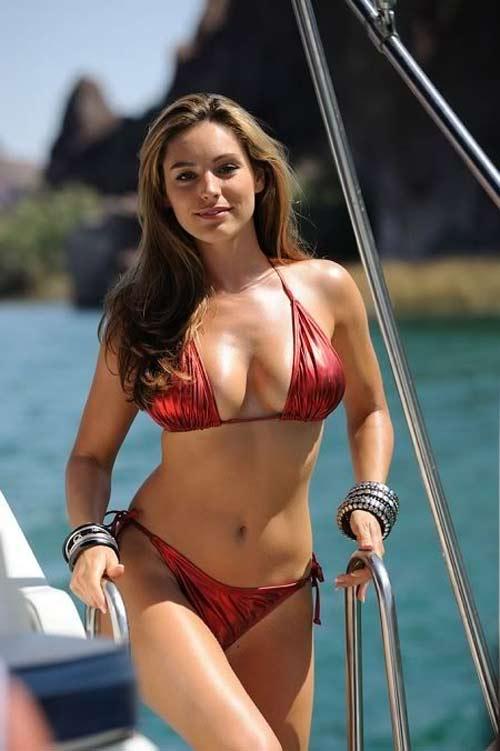 """Ngợp mắt với bikini cực nóng của """"bom sex nước Anh"""" - 8"""