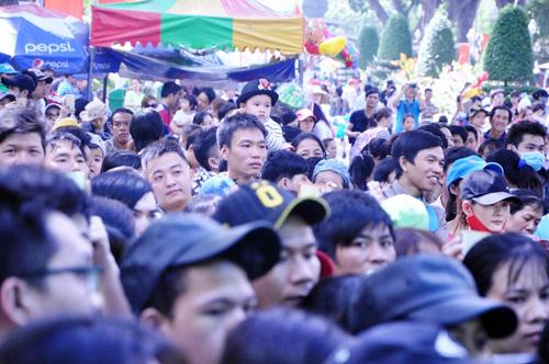 Ngày đầu năm, nhiều điểm vui chơi ở Sài Gòn quá tải - 2