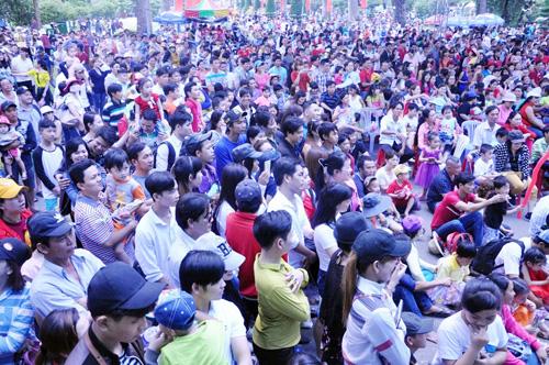 Ngày đầu năm, nhiều điểm vui chơi ở Sài Gòn quá tải - 1