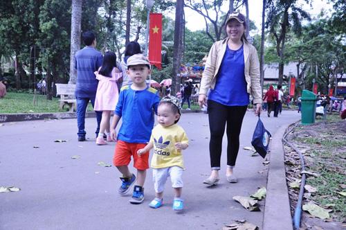 Ngày đầu năm, nhiều điểm vui chơi ở Sài Gòn quá tải - 6