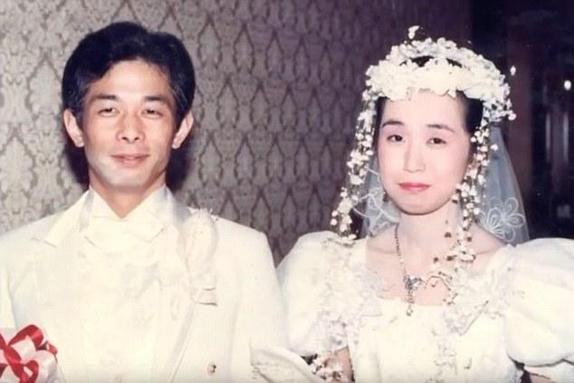 Người chồng Nhật 20 năm không nói chuyện với vợ vì...ghen - 1