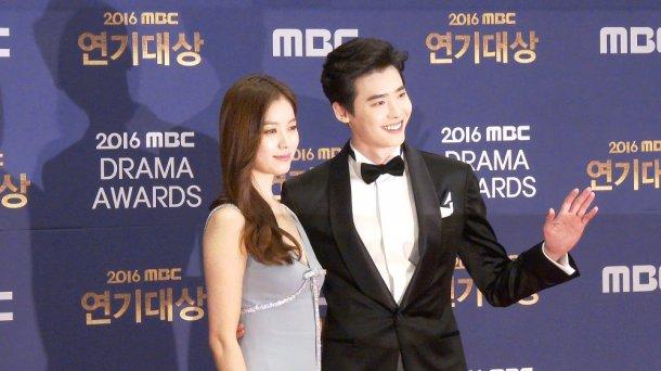 Song Hye Kyo đẹp như nữ thần trên thảm đỏ - 10