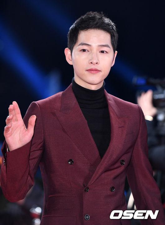 Song Hye Kyo đẹp như nữ thần trên thảm đỏ - 12